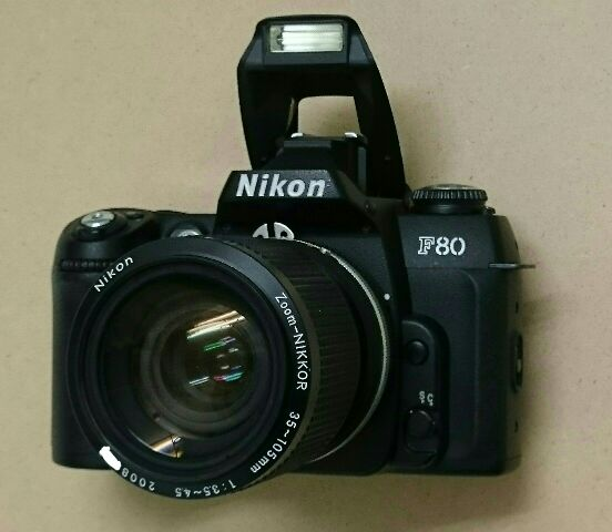 Zoom - NiKKOR  35~105 mm  1 : 3.5 - 4.5 , Nikon F80