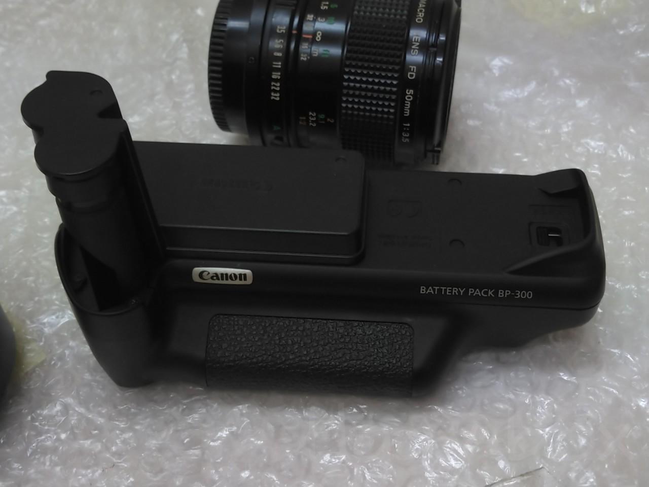 Canon の銀塩EOS7, 7s バッテリーグリップ BP-300  / Canon BP-300